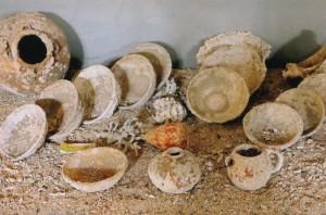 Aneka piring keramik